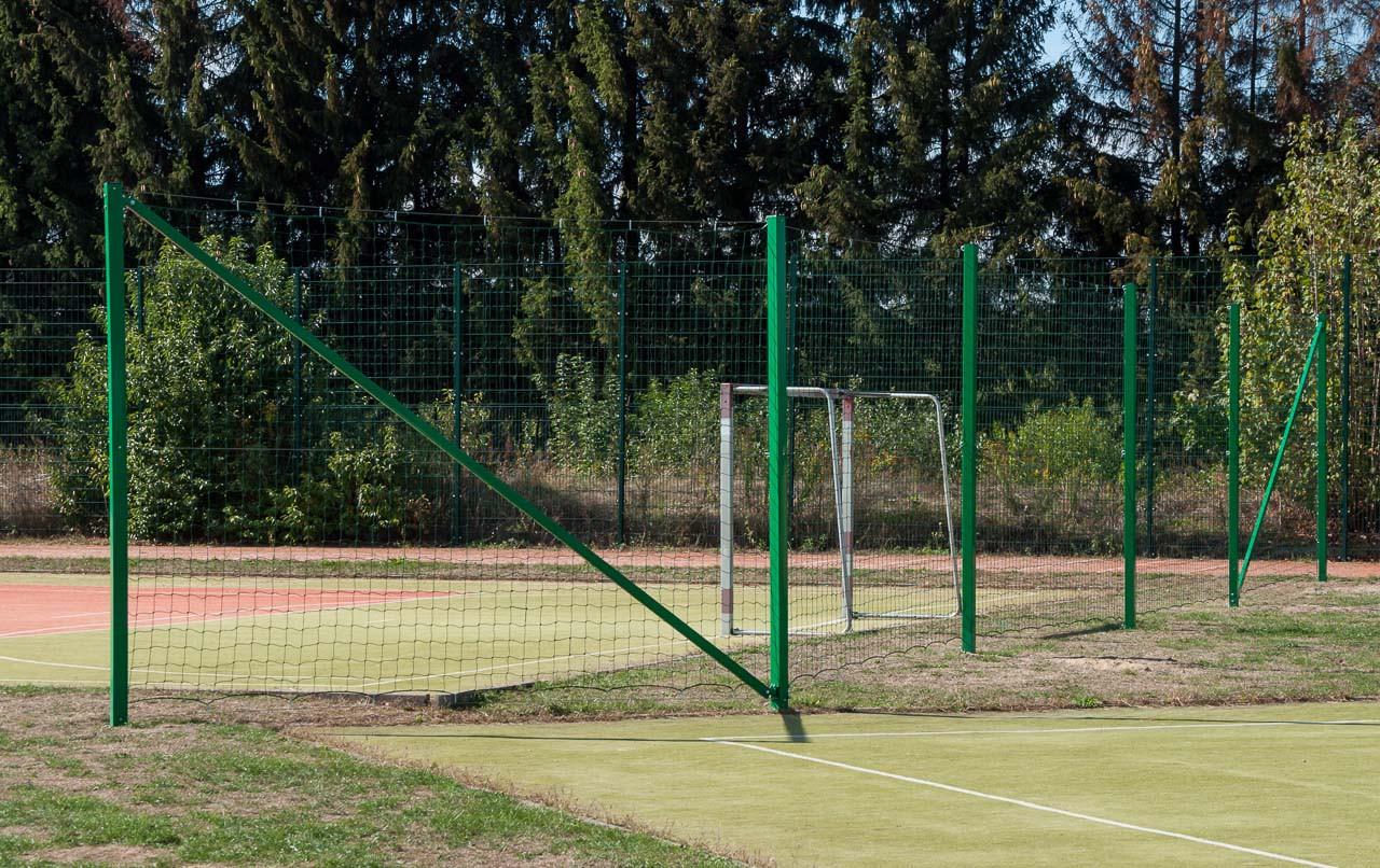 Piłkochwyty na boiska zewnętrzne